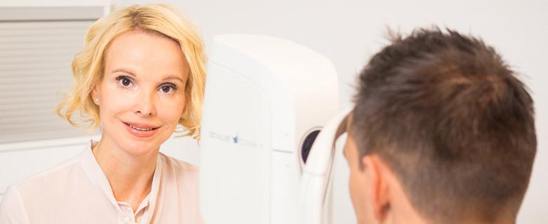 Augenchirurgin, Augenchirurgie, Augenarzt mit Erfahrung Falkner Radler